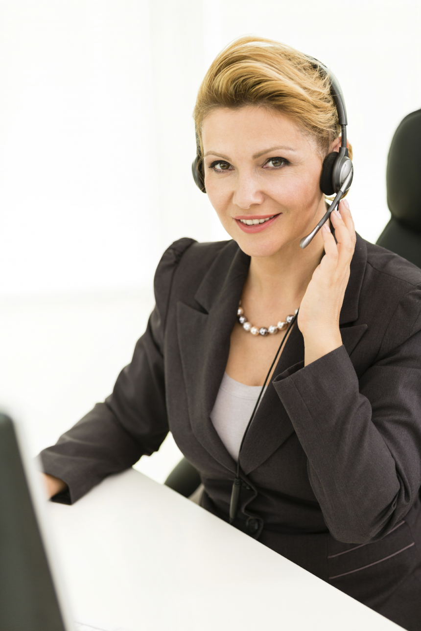 professional-telemarketer-womanpng